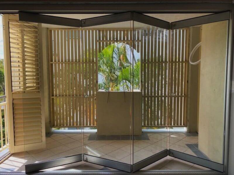 Compact Frameless Glass Bifolds - Outback Doors Australia (6)